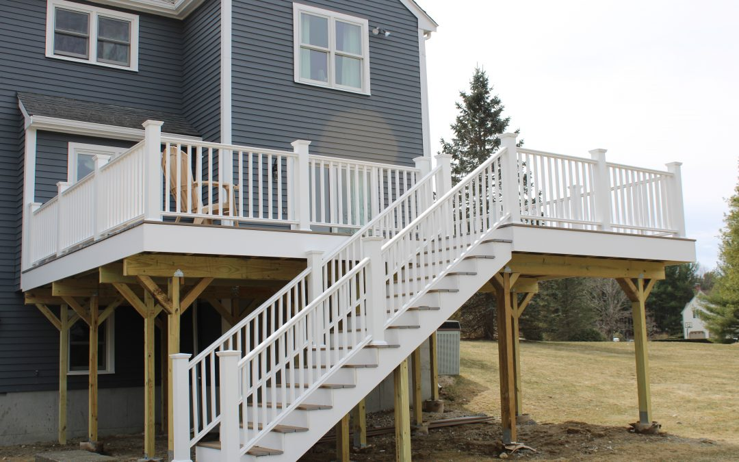 Benefits to Refinishing or Building a Deck